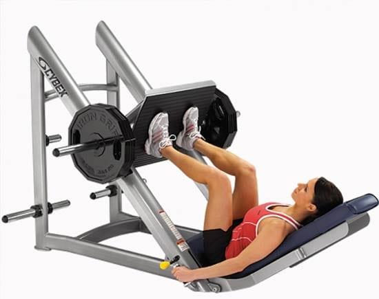 Жим ногами помогает натренировать мышцы ног