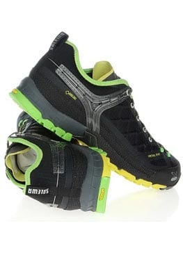 Треккинговые кроссовки используются для подходов к горе на высотах до 3500 метров