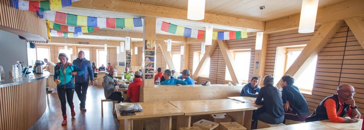 Кухня в высокогорном приюте Гутэ под Монбланом
