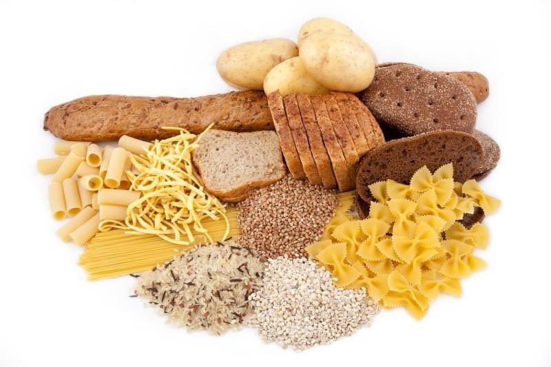 Изображены продукты с высоким содержанием углеводов