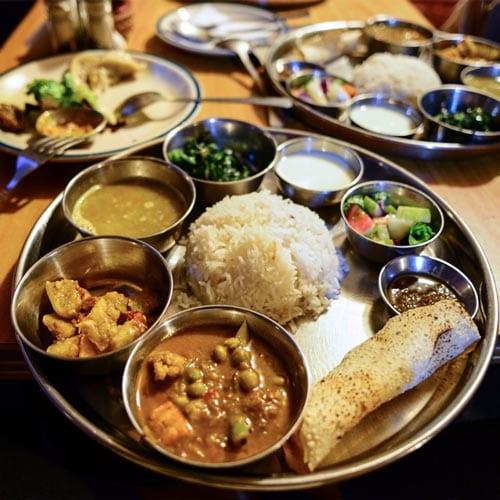 В этой статье мы расскажем про непальскую кухню и основные блюда